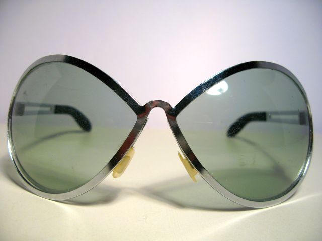 vintagesunglasses space age ! 102