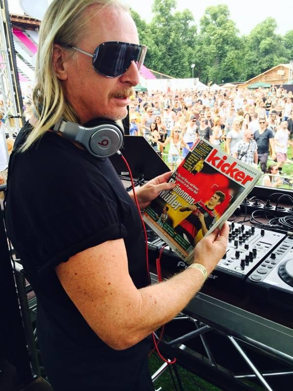 DJ Hell kicker 5620