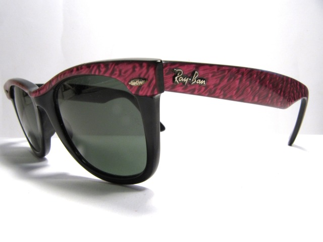 Ray Ban Wayfarer electric red
