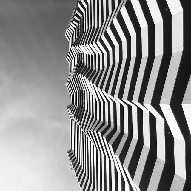 black and white skyscraper vienna